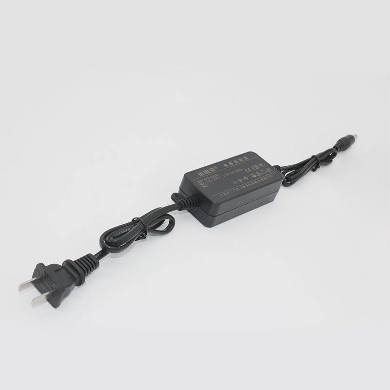桌面式电源适配器Z24系列5V/3A规格